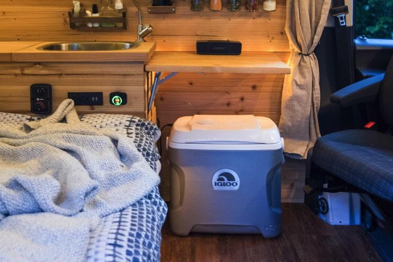 small igloo electric fridge